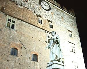 Palazzo Pretorio notte