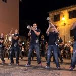 Large street band (foto di Lisa Barcaiuolo)