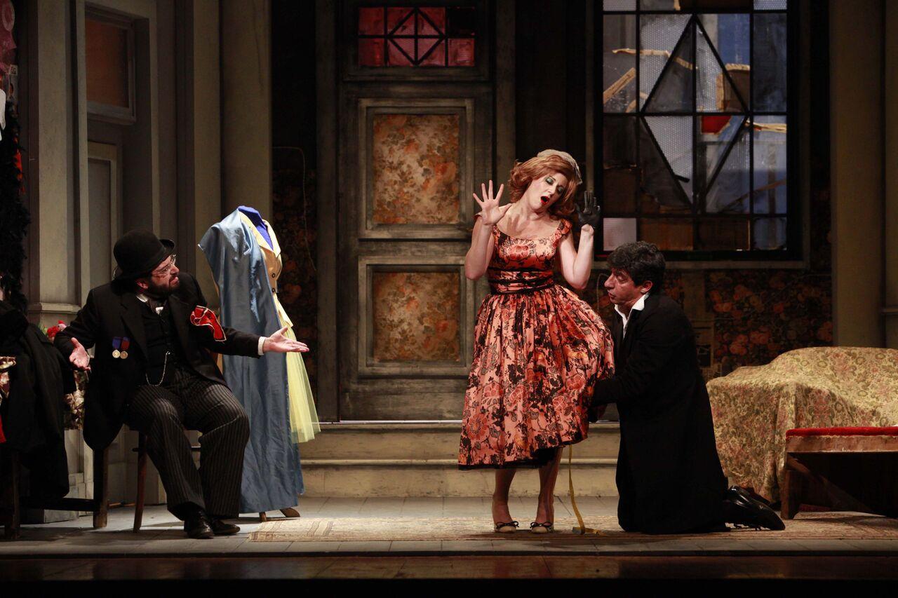 Sarto per signora, commedia degli equivoci al teatro Manzoni di Pistoia