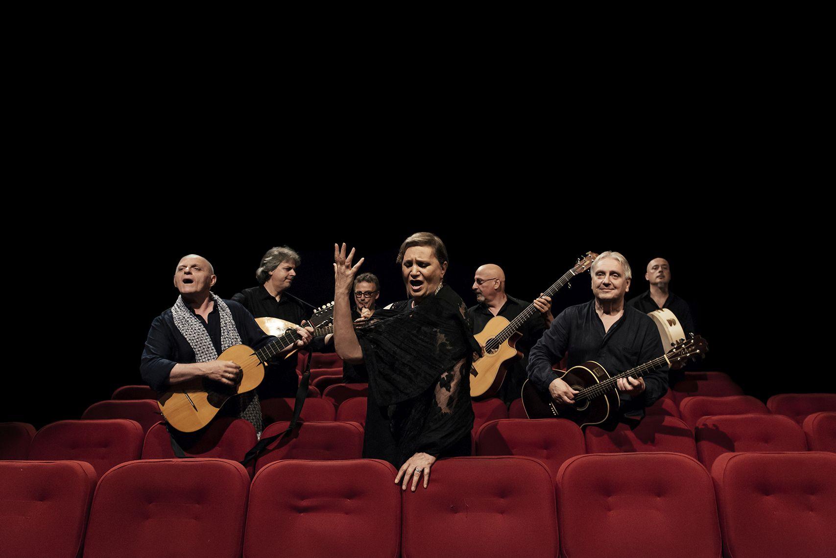 Fa tappa a Firenze il tour che celebra la carriera della Nuova compagnia di canto popolare