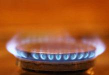 Un fornello a gas acceso