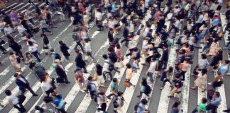 Folla in strada