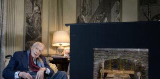 Franco Zeffirelli e modello - il boccascena