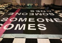 Tessuti urbani: someone comes, smeone goes