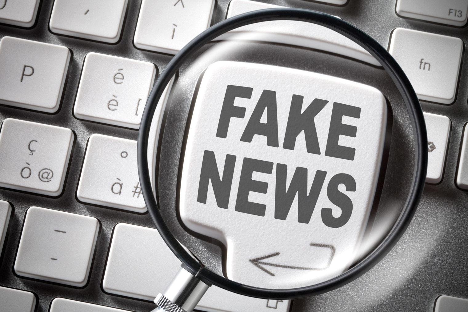 Fake news lente d'ingrandimento