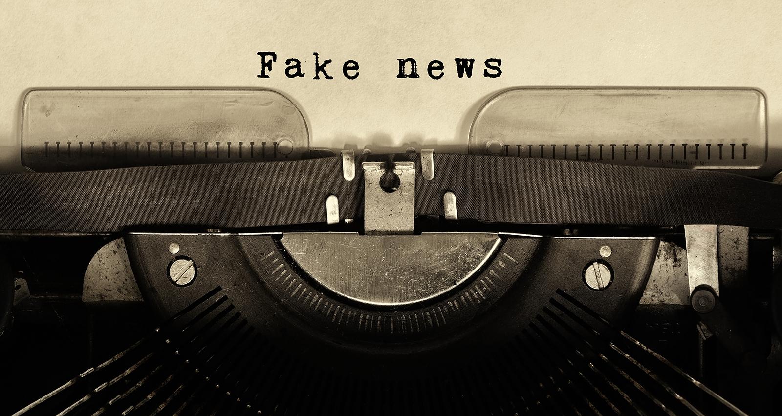 Fake news macchina da scrivere