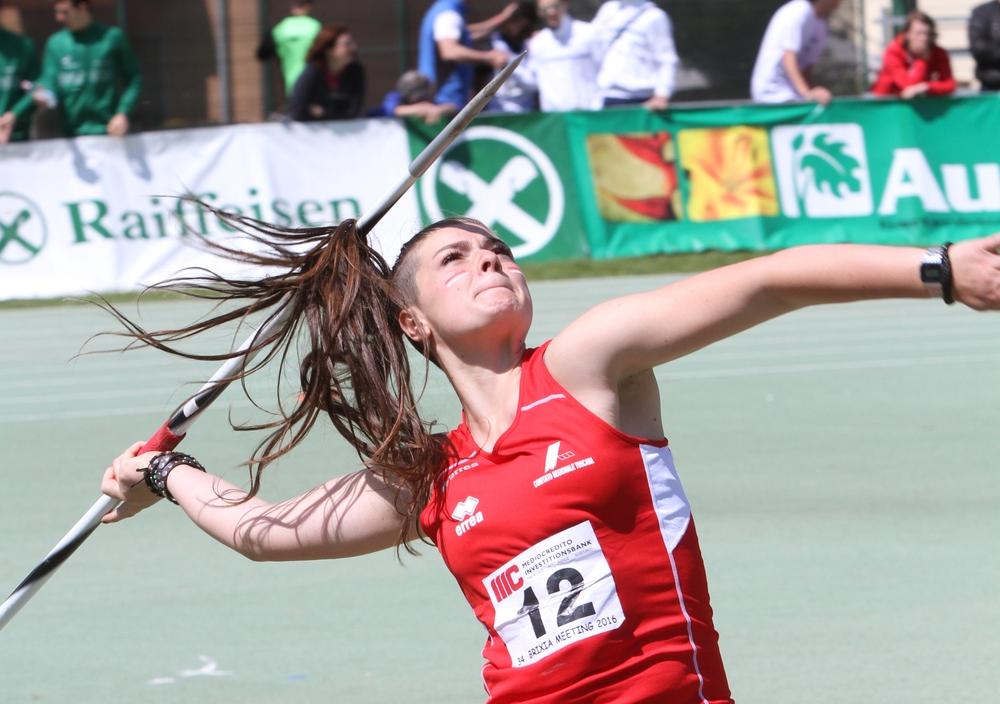 Giulia Chenet quando praticava il lancio del giavellotto (foto Fidal)