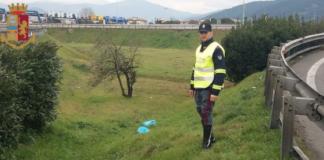 Polizia stradale rifiuti su autostrada