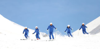 Ragazzi della scuola di sci
