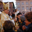 Il vescovo Agostinelli durante la scorsa festa dei popoli