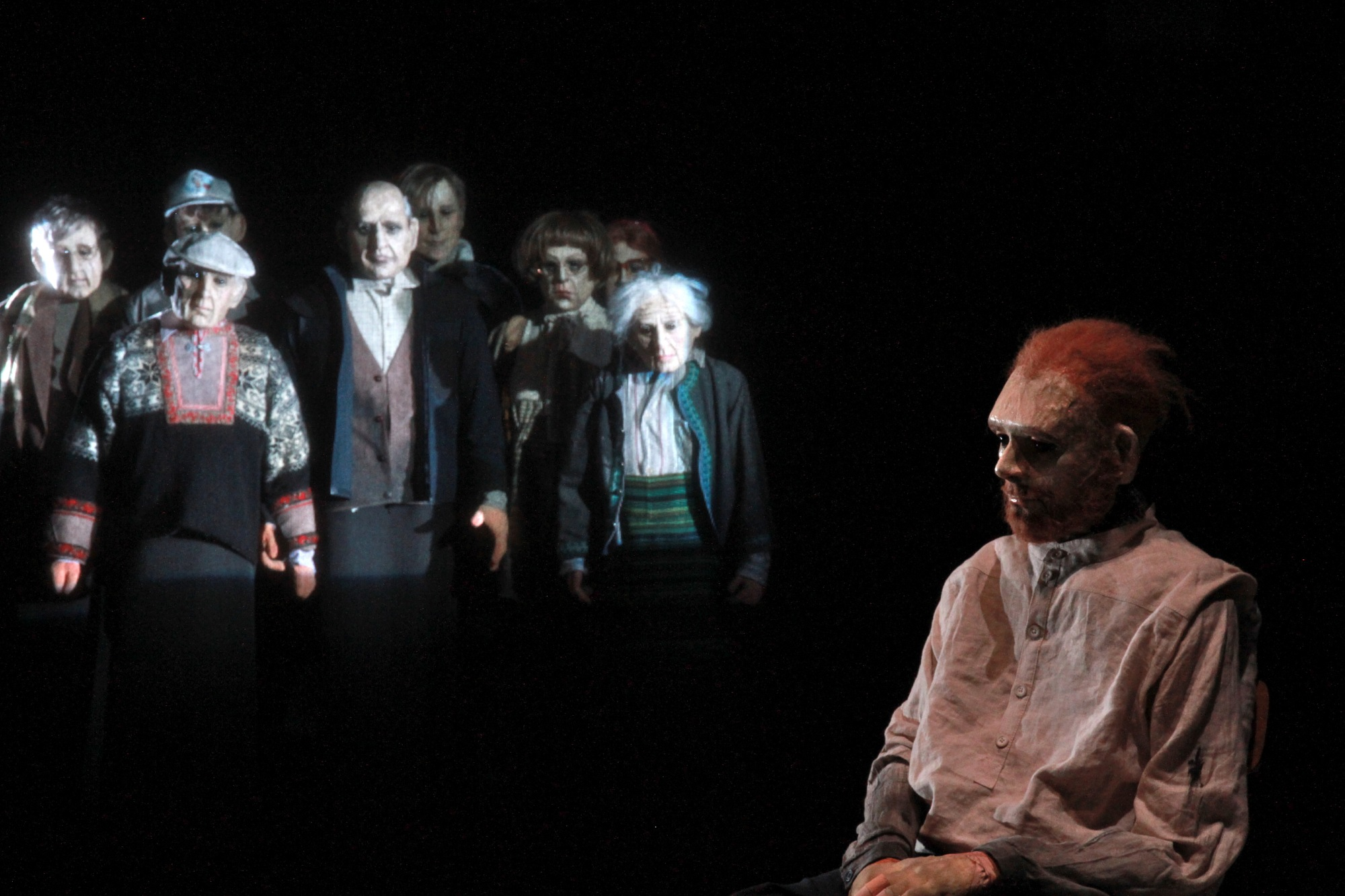 Ceneri (foto di Claire_Leroux) - una scena dello spettacolo di Yngvild Aspeli
