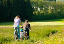 famiglia di ciclisti