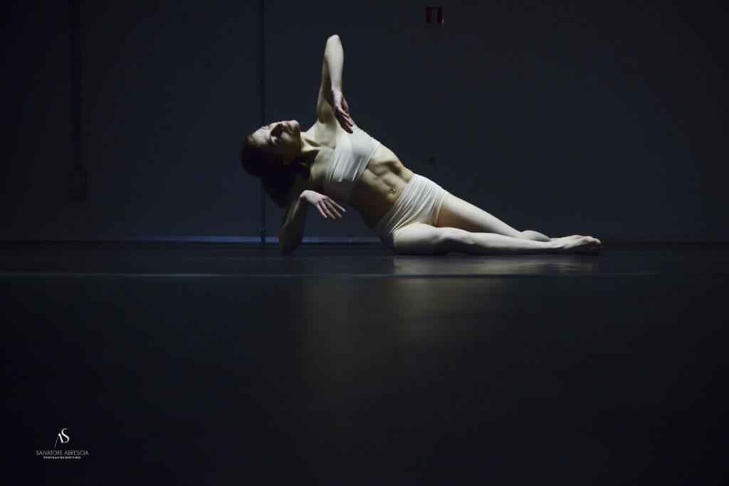 Le    foto sono di Salvatore Abrescia e ritraggono il gruppo di danza e la ballerina    armena Tamara Aydinyan che interpreta    Pinocchio