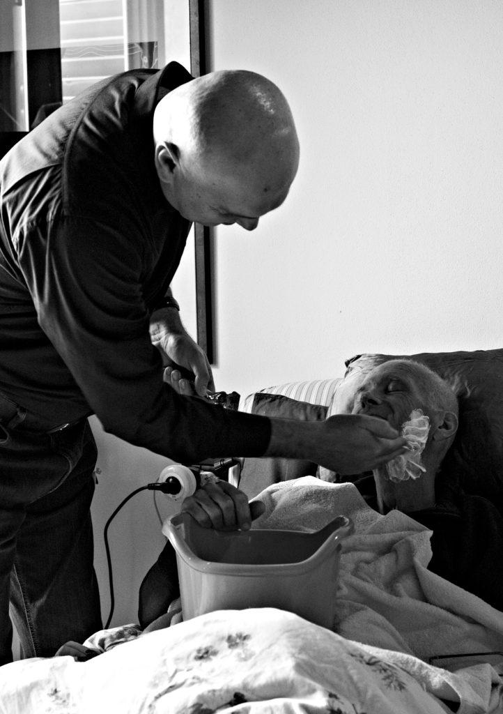 Giancarlo D'Emilio con il barbiere