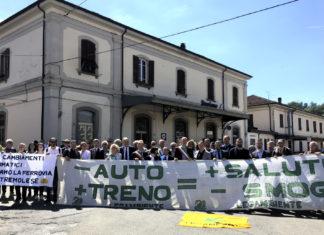 Manifestazione per la ferrovia Pontremolese