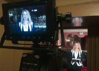 Valentina Lo Surdo davanti alla telecamera
