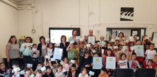 Foto di gruppo dei bambini vincitori di Roarr!