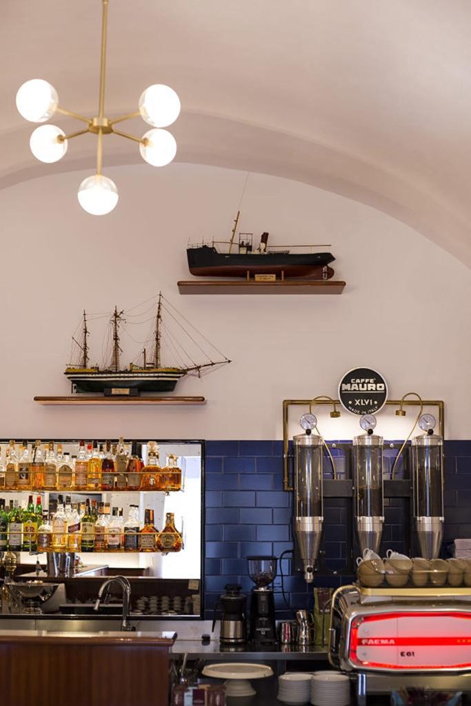 L'interno del Bar del Porto