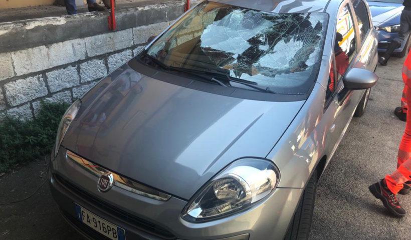 La seconda vettura danneggiata