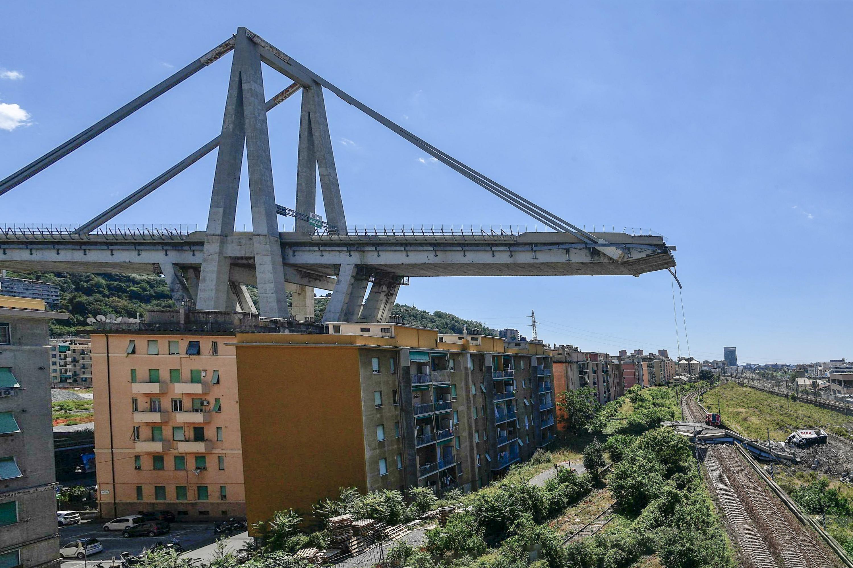 Ponte morandi Genova crollato