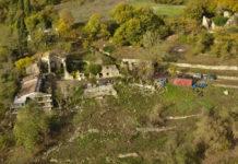 Vista dall'alto del borgo di Mezzana - Tutto è vita
