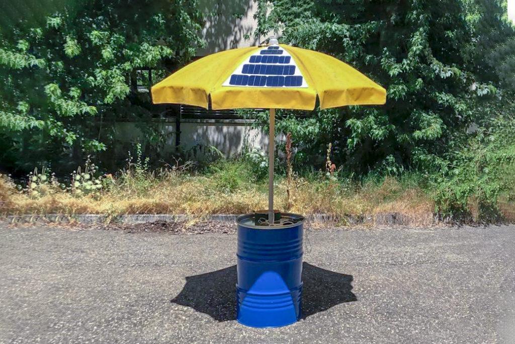Ombrellone-pannelli-solari-smartphone