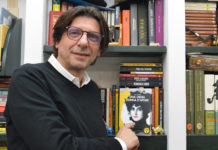Luca Martinelli con una libera donna d'affari