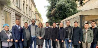la delegazione pratese in via Paolo Sarpi a Milano