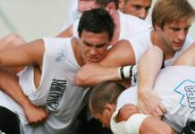 SI lotta un un campo di rugby