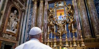 Papa Francesco prega per la fine del coronavirus