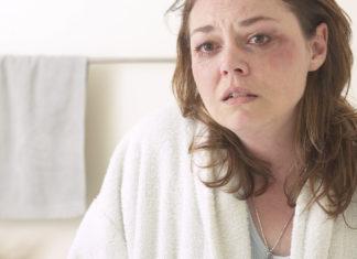 Donna picchiata dal convivente