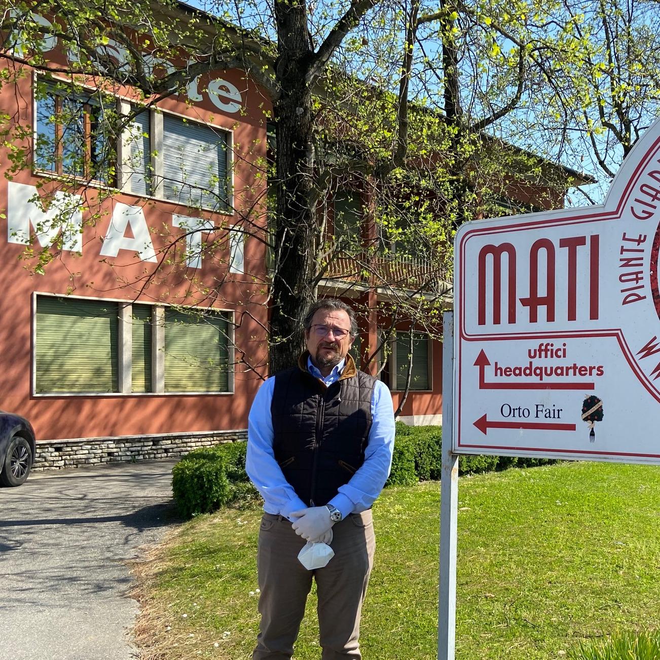 Francesco Mati davanti alla sede aziendale a Pistoia