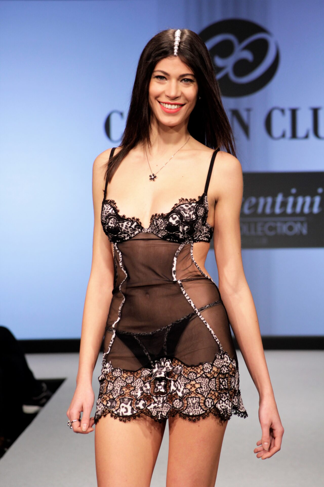 Modella in lingerie o intimo