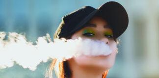 Ragazza che fuma
