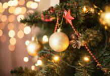 Albero di Natale con pallina