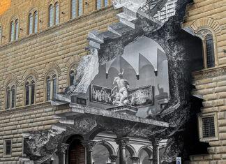 Particolare di La Ferita di JR su Palazzo Strozzi a Firenze
